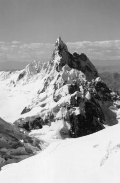 Nevado Cayesh (5721m) a veritable ice needle.